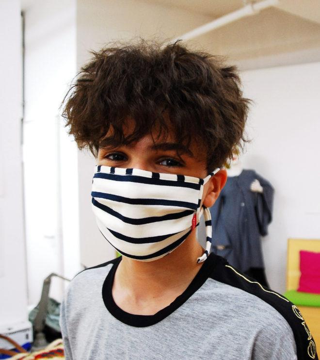 Maske blau-weiß aus Biobaumwolle gestreift für Jugendliche und Schüler