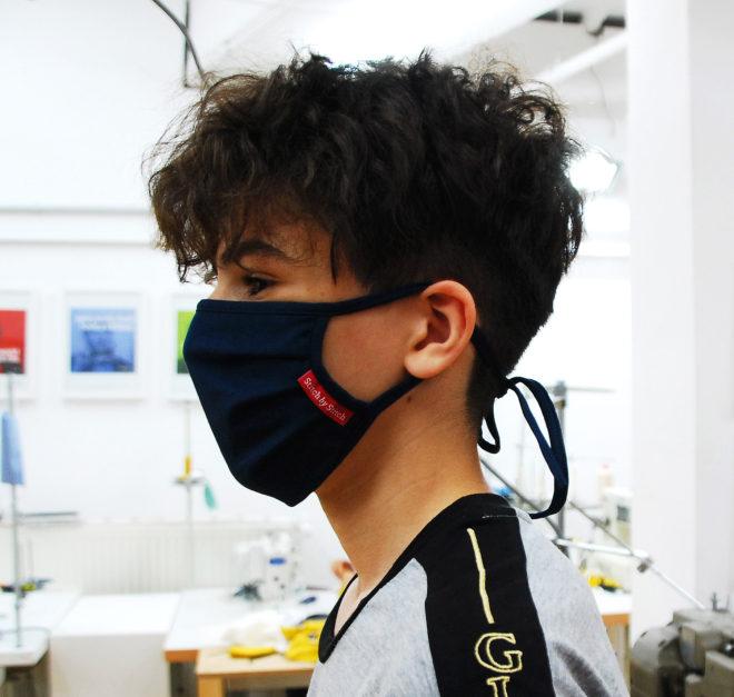 Maske aus Biobaumwolle in blau für Jugendliche und Schüler